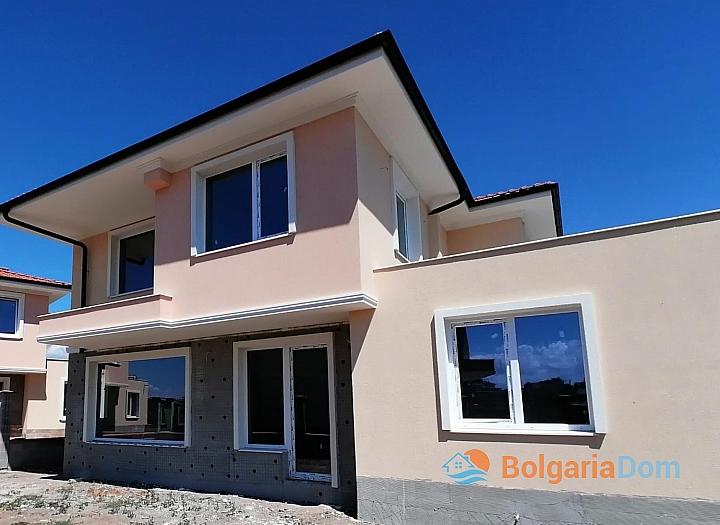 Новые дома на продажу в городе Поморие. Фото 6