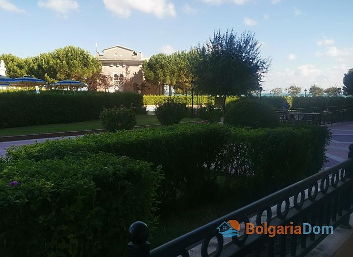 Трехкомнатный апартамент на первой линии моря в Поморие. Фото 6