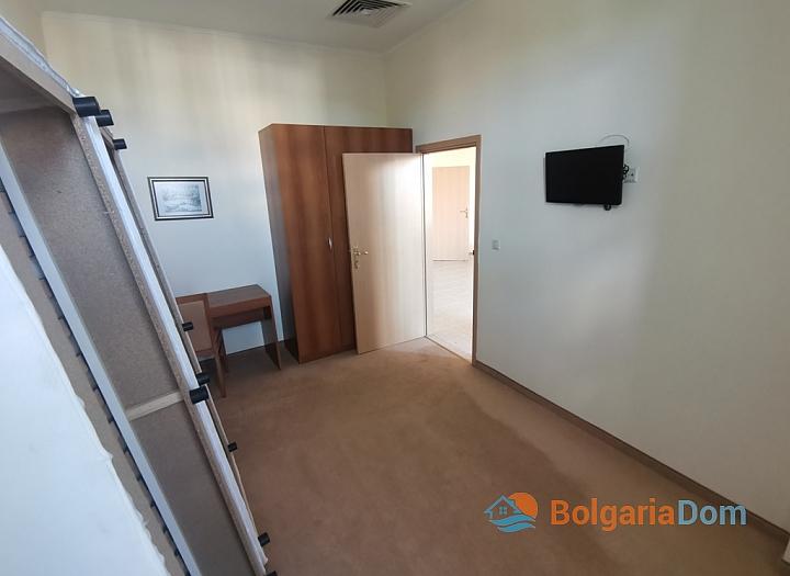 Трехкомнатный апартамент на первой линии моря в Поморие. Фото 21