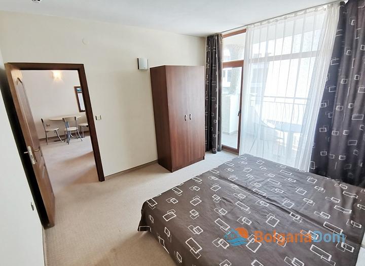Апартамент с двумя спальнями на второй линии моря. Фото 13