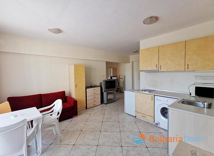 Купить трехкомнатную квартиру в комплексе Камелия Гарден. Фото 8