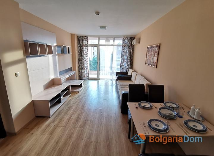 Двухкомнатная квартира с мебелью в Солнечном Береге. Фото 1