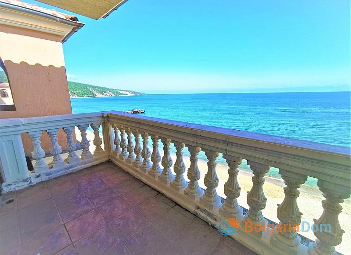 Студия с панорамным видом на море на первой линии. Фото 6