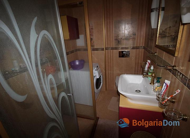 Шикарный двухкомнатный апартамент в Святом Власе на первой линии моря. Фото 9