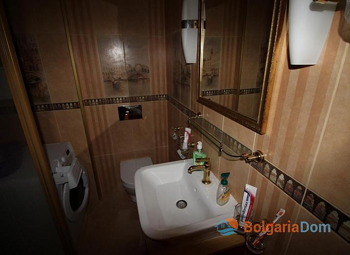 Шикарный двухкомнатный апартамент в Святом Власе на первой линии моря. Фото 8
