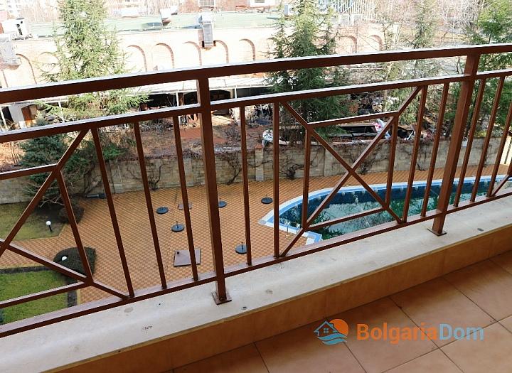 Недорогая трехкомнатная квартира в курорте Солнечный Берег. Фото 12