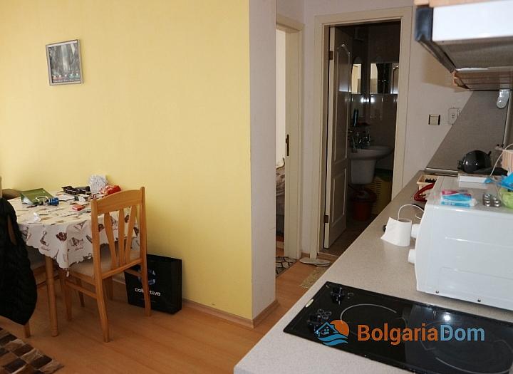 Недорогая двухкомнатная квартира в курорте Солнечный Берег. Фото 4