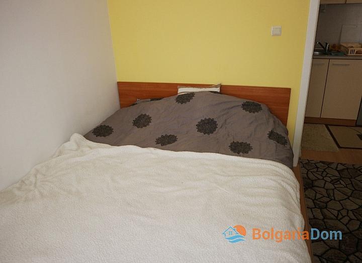 Недорогая двухкомнатная квартира в курорте Солнечный Берег. Фото 5