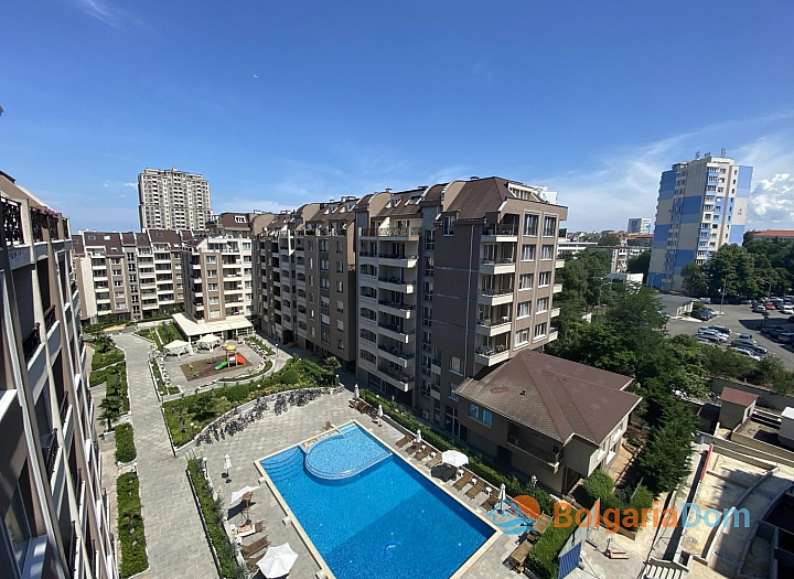 Новая трехкомнатная квартира с видом на озеро по супер-цене в элитном здании. Фото 10