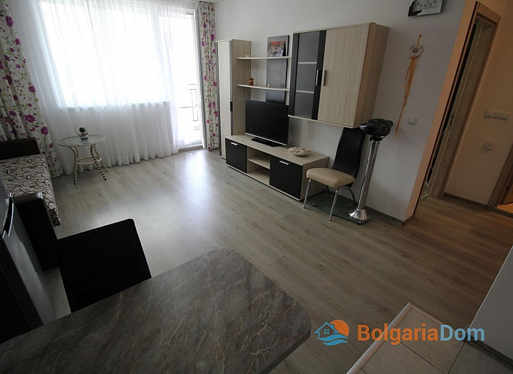 Двухкомнатная меблированная квартира в Бяле с видом на море. Фото 4