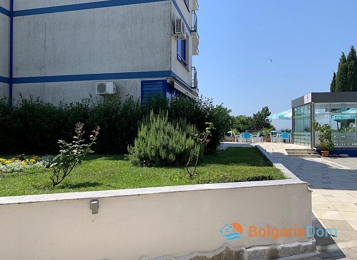 Недорогая двухкомнатная квартира в комплексе на первой линии. Фото 24