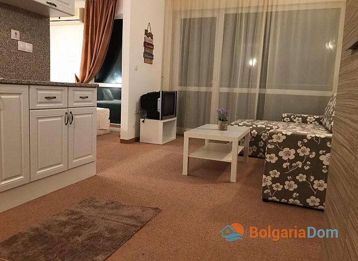Срочная продажа двухкомнатной квартиры в Сарафово. Фото 2