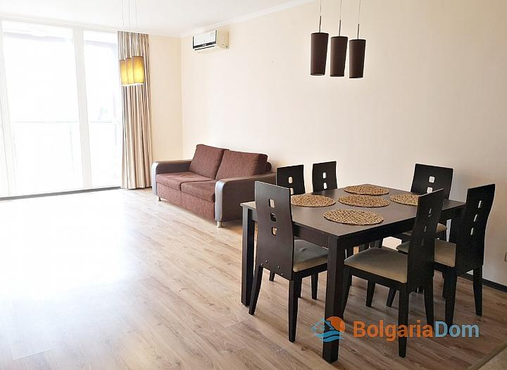 Трёхкомнатный меблированный апартамент на Солнечном берегу . Фото 4