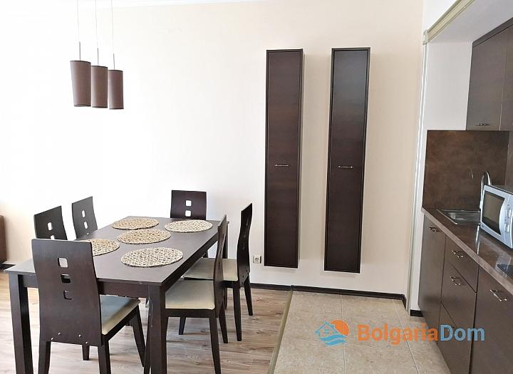 Трёхкомнатный меблированный апартамент на Солнечном берегу . Фото 5