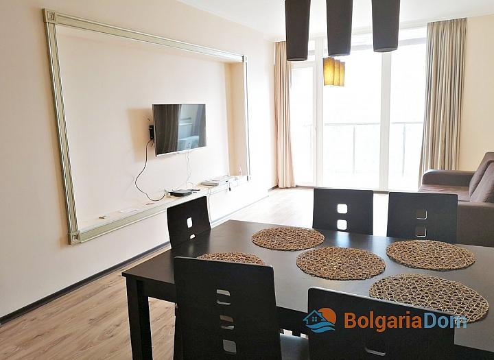 Трёхкомнатный меблированный апартамент на Солнечном берегу . Фото 7