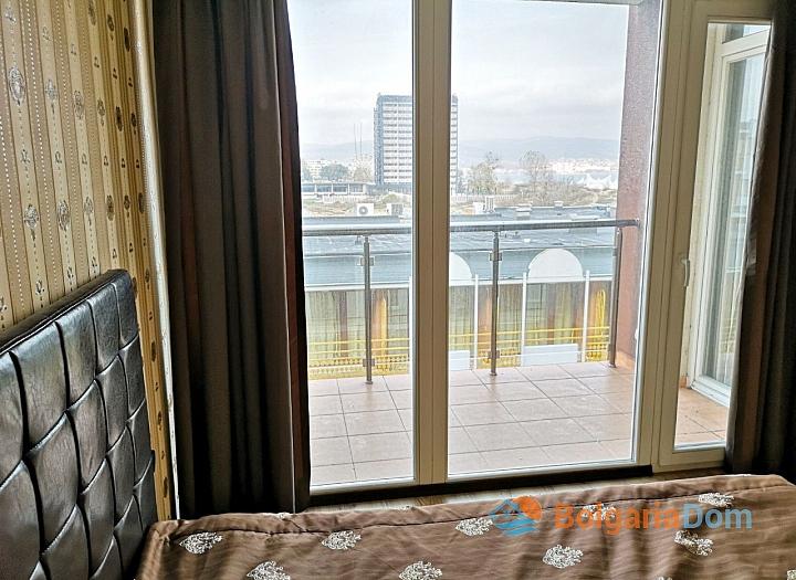 Трёхкомнатный меблированный апартамент на Солнечном берегу . Фото 12