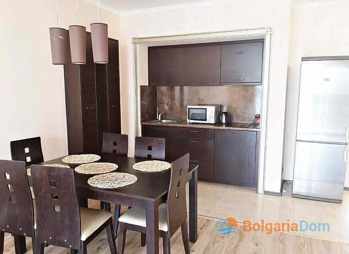 Трёхкомнатный меблированный апартамент на Солнечном берегу . Фото 3