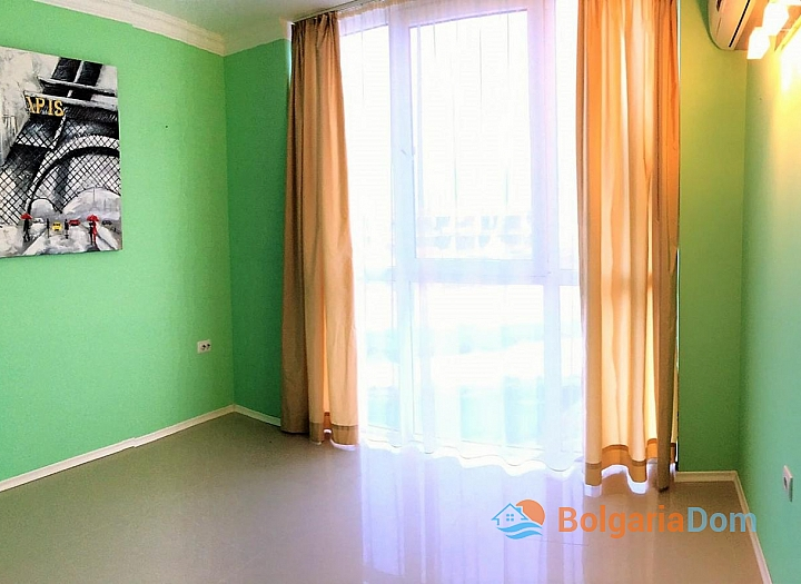 Просторная трёхкомнатная квартира в Сарафово . Фото 4