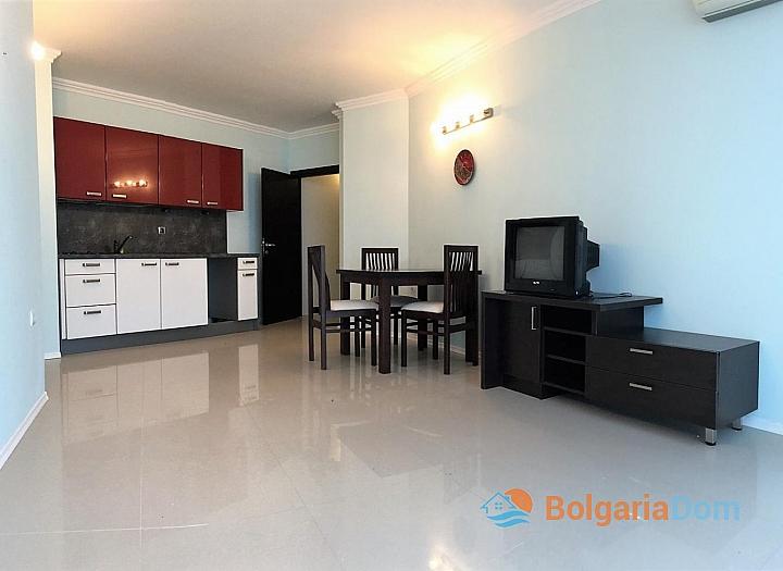 Просторная трёхкомнатная квартира в Сарафово . Фото 1