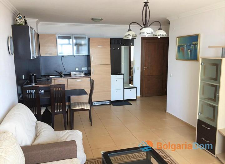 Двухкомнатный апартамент с видом на море в Святом Власе. Фото 2