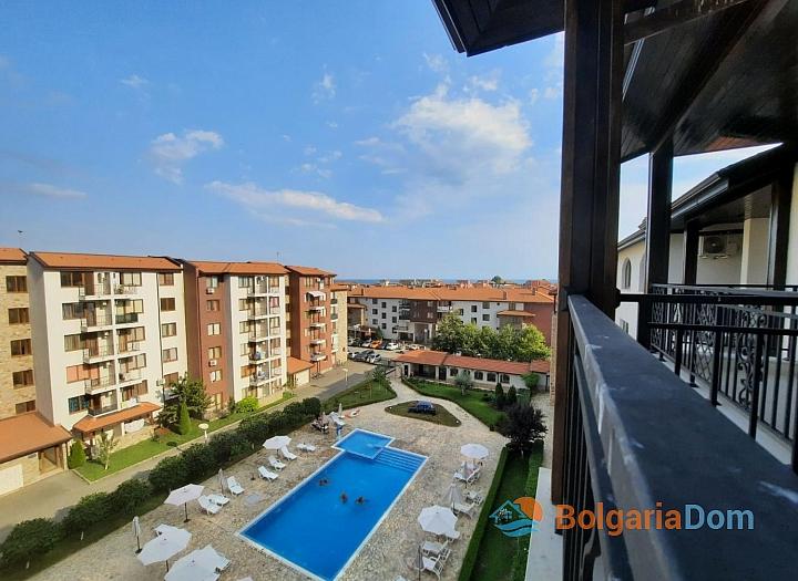 Двухкомнатная квартира с видом на море. Фото 8
