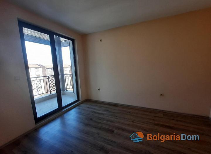 Двухкомнатная квартира с видом на море. Фото 5