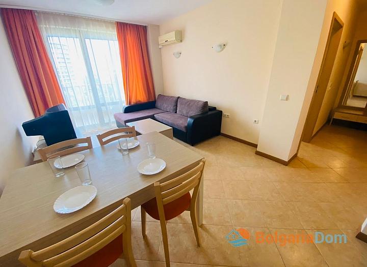 Отличная двухкомнатная квартира в комплексе Роял Сан. Фото 2