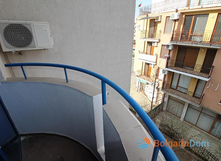 Компактная двухкомнатная квартира в центре курорта. Фото 12