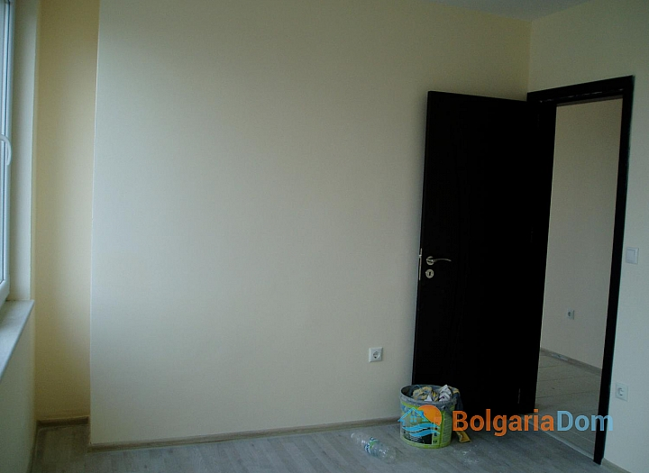 Дешевая двухкомнатная квартира в Несебре. Фото 9