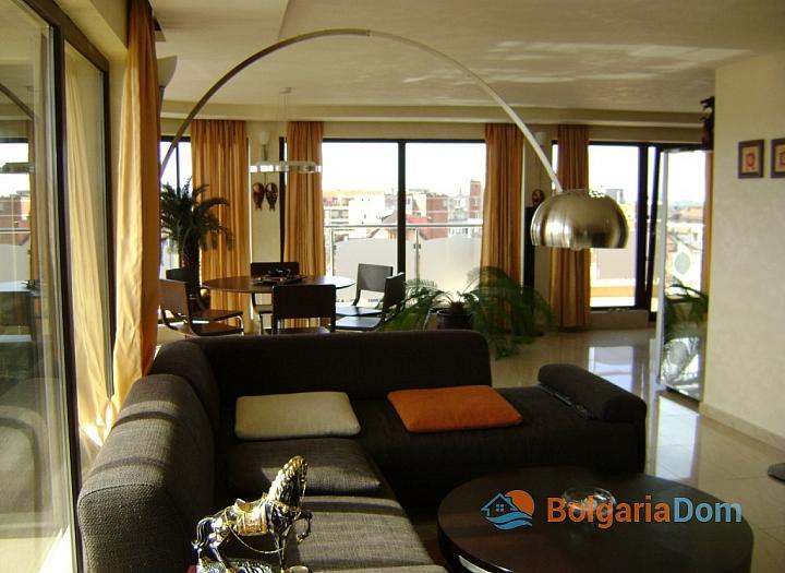 Трехкомнатная квартира на продажу в Помории около моря. Фото 2