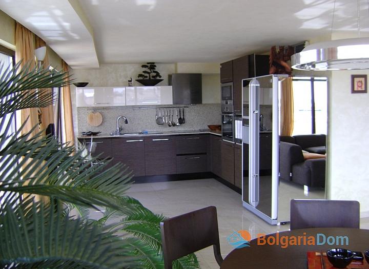 Трехкомнатная квартира на продажу в Помории около моря. Фото 4