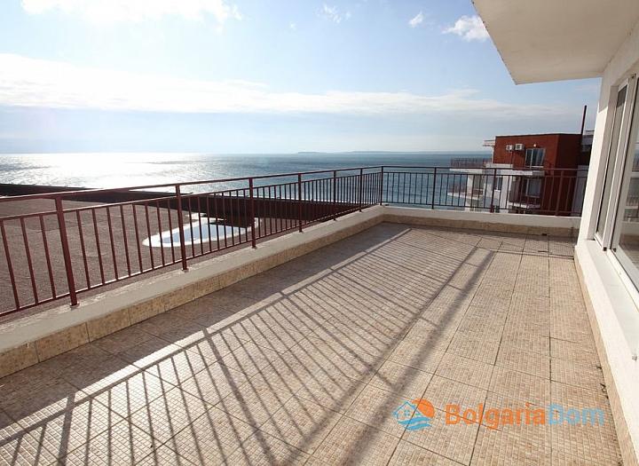 Квартира с великолепной панорамой на первой линии моря. Фото 8
