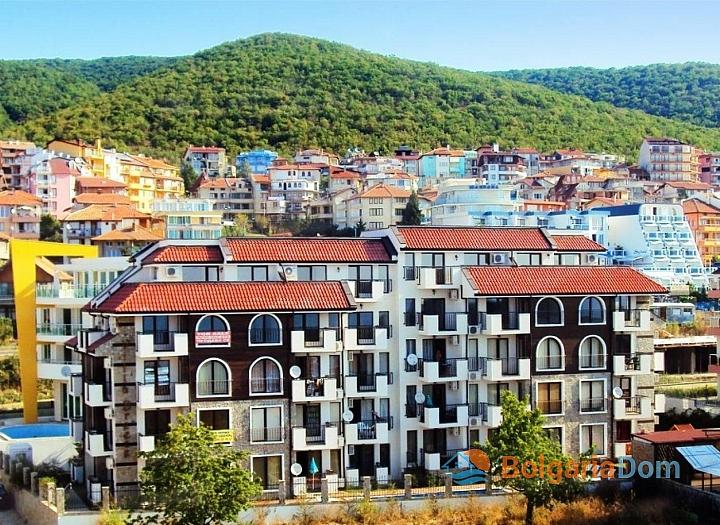 Новая трехкомнатная квартира с видом на море в Святом Власе. Фото 1