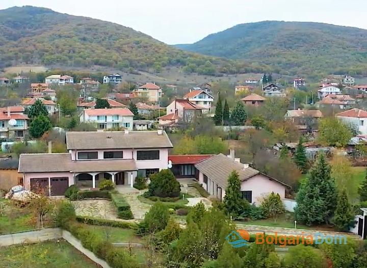 Большой двухэтажный дом на продажу в Кошарице. Фото 2
