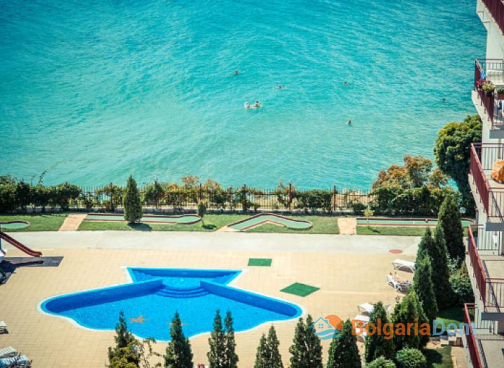 Двухкомнатная меблированная квартира в центре Сарафово. Фото 3