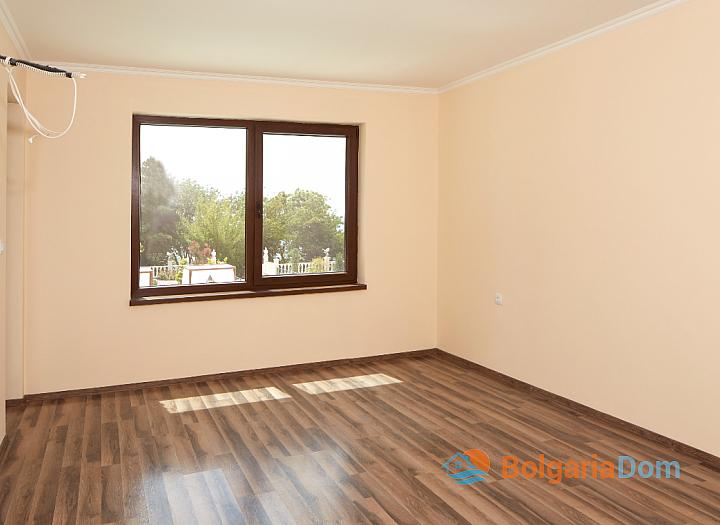Двухкомнатная квартира в роскошном комплексе Валенсия Гарденс, первая линия. Фото 5