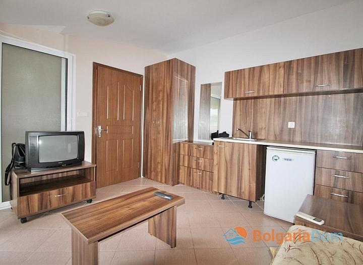 Двухкомнатная меблированная квартира возле пляжа в Несебре . Фото 2