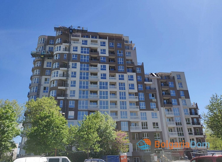 Новая трехкомнатная квартира с видом на озеро по супер-цене в элитном здании. Фото 15