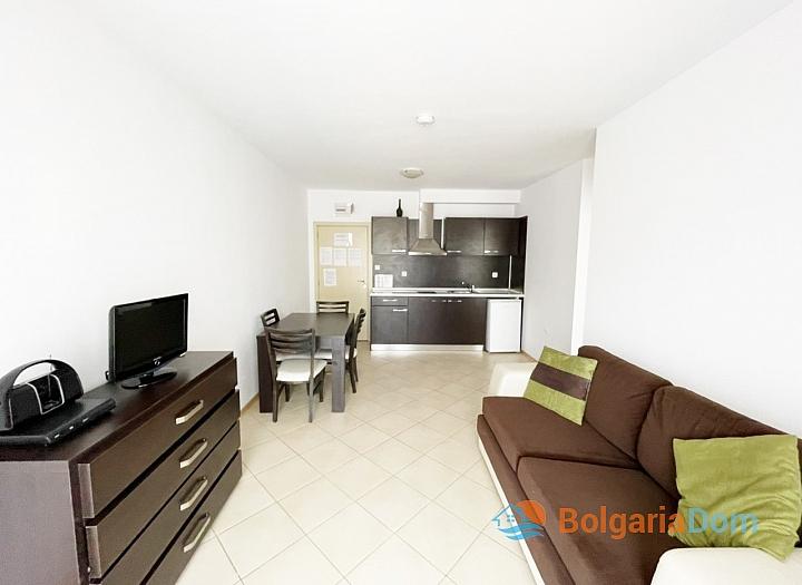 Хорошая двухкомнатная квартира в большом комплексе. Фото 2