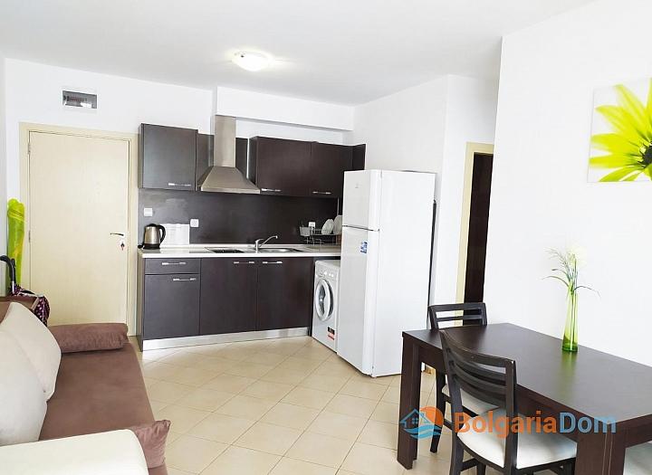 Двухкомнатная квартира в комплексе Гранд Камелия. Фото 1