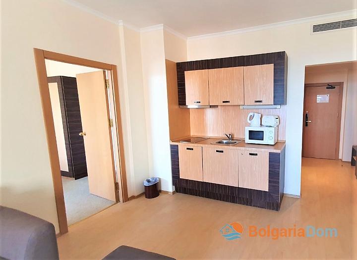 Квартира с фронтальным видом на море в роскошном комплексе. Фото 10