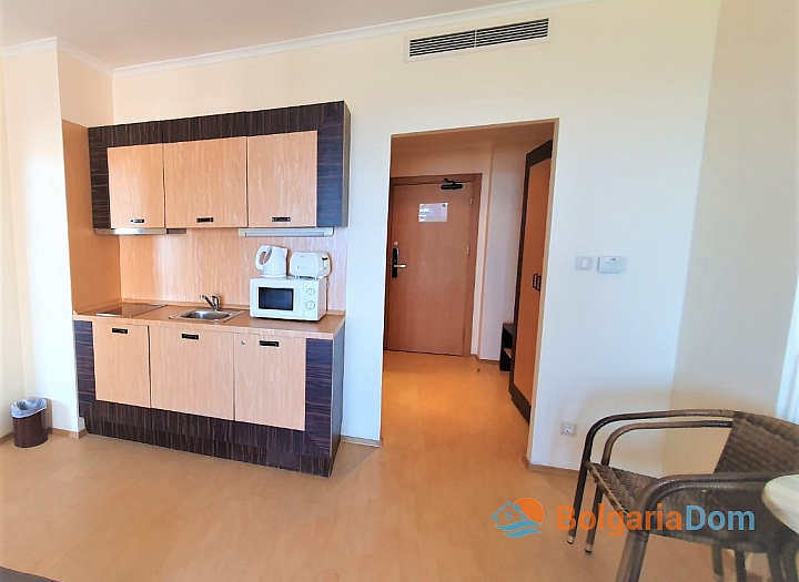 Квартира с фронтальным видом на море в роскошном комплексе. Фото 11