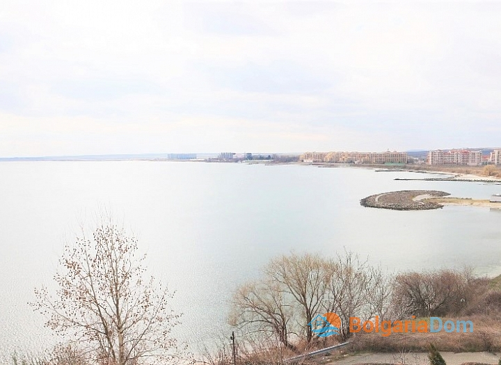 Трехкомнатная квартира с видом на море в комплексе на первой линии. Фото 4
