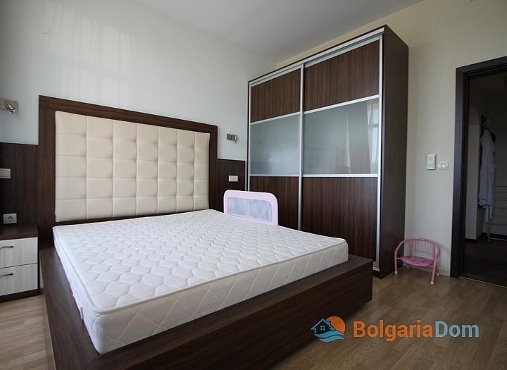 Просторный апартамент на первой линии в Царево, Врис. Фото 23