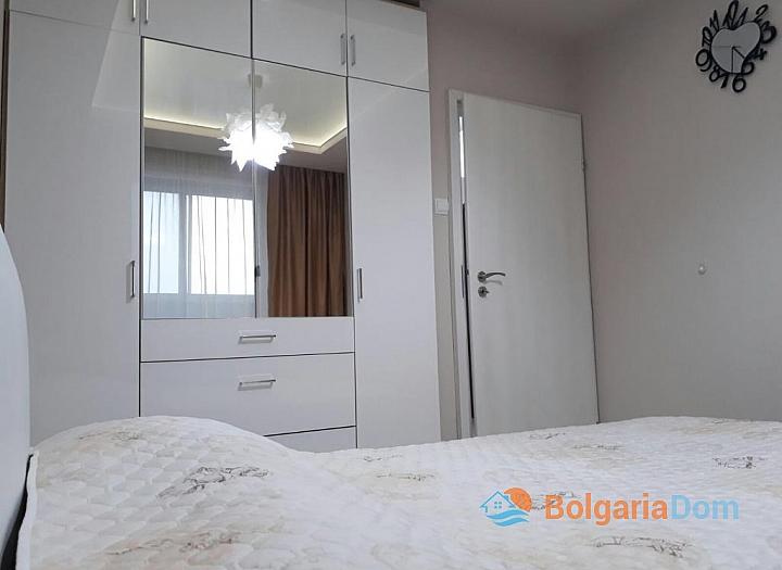 Современная двухкомнатная квартира на продажу в Бургасе. Фото 6