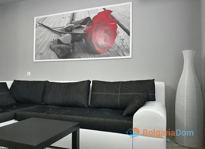 Современная двухкомнатная квартира на продажу в Бургасе. Фото 3