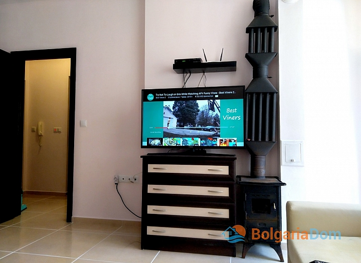 Современная двухкомнатная квартира в центре Поморие. Фото 6