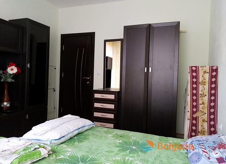 Современная двухкомнатная квартира в центре Поморие. Фото 5