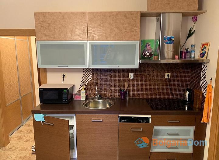 Двухкомнатная меблированная квартира в Поморие. Фото 1