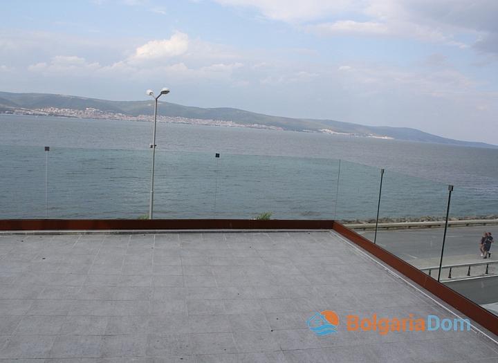 Панорамная квартира на первой линии моря в Несебре. Фото 4